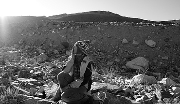 Woman and the Glacier (Irak, Lituanie, Estonie)